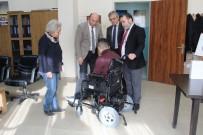 ENGELLİ ÖĞRENCİ - Engelli Öğrencinin Akülü Sandalye Sevinci