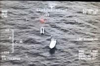 GAMBIYA - İzmir'de 55 Kaçak Göçmen Yakalandı
