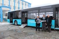 ENGELLİ PERSONEL - Kafkas Üniversitesi Araç Filosunu Genişletiyor