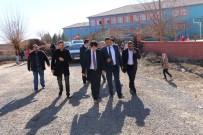 FARUK ÇELİK - Kaymakam Çelik Ve Başkan Özyavuz Okulları Ziyaret Etti