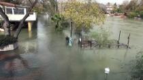 MANAVGAT IRMAĞI - Manavgat'ta Su Baskını