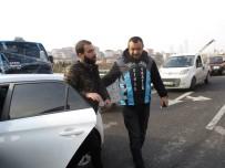 GAYRETTEPE - (Özel) Merdivenlerden Aracı İle İnen Sürücü Gözaltına Alındı