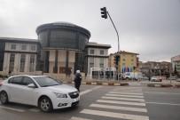 ALT KOMİSYON - Polisevi İle Kültür Ve Kongre Merkezi Kavşakları Trafiğe Açıldı