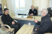 AHMET YILDIRIM - Suriyeli Çöpte Bulduğu Altınları Polise Teslim Etti