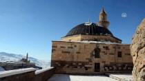 AHMED-I HANI - Tarihi Saray Beyaza Büründü