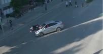 YAYA GEÇİDİ - Trafik Kurallarına Uymayan İki Kadın Ölümden Döndü