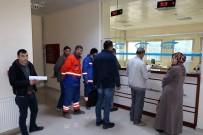 E-DEVLET - Yozgat'ta Taşeron İşçiler Hizmet Dökümü İçin SGK'ya Akın Ettiler