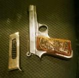 EVCİL HAYVAN - 15 Sabıkalı Şahıs Ruhsatsız Silahla Yakalandı