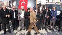 ABDULLAH DÖLEK - Afrin'deki Terör Mağdurlarına Ayakkabı Yardımı