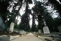 HEREKE - Bağçeşme Mezarlığı Taş Duvarları Yenileniyor