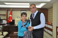 ATAKÖY - Belediye Başarılı Sporcuları Ödüllendirdi