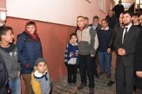 MEHMET UZUN - Çocuklar Köylerini Ziyaret Eden Vali'den Parkın Yenilenmesini İstedi