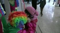 VAN DEVLET TIYATROSU - İpekyolu Belediyesi Çocukları Eğlendiriyor