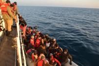 MORITANYA - İzmir'de Lastik Botlarda 147 Göçmen Kurtarıldı