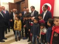 MURAT ŞENER - Köy Meydanına Bayrak Diken Çocuklar Ankara'da
