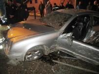 PAŞABAHÇE - Otomobiliyle 15 Metreden Sokağa Uçtu Açıklaması 1 Yaralı