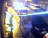 (Özel) Zeytinburnu'nda Baltalı Hırsızlar Kamerada