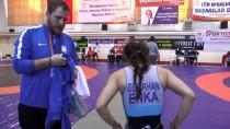 DÜNYA GÜREŞ ŞAMPİYONASI - Tesadüfen Başladığı Güreşte Dünya Şampiyonu Oldu
