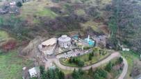 CEPHANELİK - Trabzon'da Tarihi Cephanelik Binasının Yanına Yapılan İnşaat Durduruldu