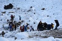 ZIGANA - Zigana Dağı'nda Kamyonet Uçuruma Yuvarlandı Açıklaması 1 Yaralı