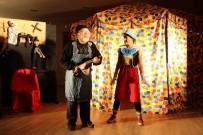 ÇOCUK TİYATROSU - Bayraklı'da Çocukların Tiyatro Keyfi