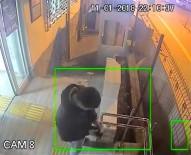 İKTISAT - Dolmuşta Darp Edilen İşitme Engelli Karakolda Güvenlik Kamerasına Böyle Yakalandı
