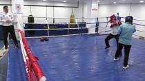 SAĞLIK MESLEK LİSESİ - 'Erkek Sporu' Denmesine Aldırmadığı Boksta Şampiyon Oldu