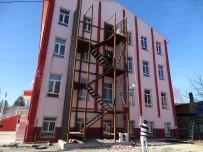 HASANLAR - Hisarcık'ta Okullara Yangın Merdiveni