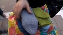 SELIMIYE - (Özel) 78 Yaşındaki Kevser Teyze, Afrin'deki Askerlere Elleri İle Ördüğü Çorapları Gönderdi
