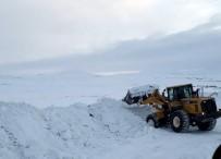 NEBIOĞLU - Özel İdare Ekiplerinin Köy Yollarında Karla Mücadelesi