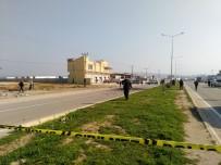 BOMBA İMHA UZMANLARI - Reyhanlı'ya Düşen Roket Kontrollü Patlatıldı