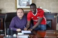 İMZA TÖRENİ - Sivasspor'da Henri Saivet Sözleşmeyi İmzaladı