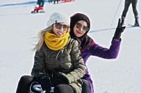 YERLİ TURİST - Sömestr Tatilinde Akdağ Kayak Merkezi'ne Yoğun İlgi