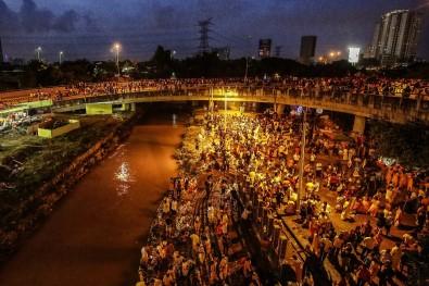 Yüz binlerce Hindu, Thaipusam Festivali'ne akın etti