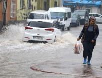 AŞIRI YAĞIŞ - Adana'da Yağmur Su Baskınlarına Neden Oldu