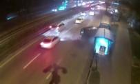 MOBESE - Alt Geçide Dalan Otomobilin Kazası Kameraya Yansıdı