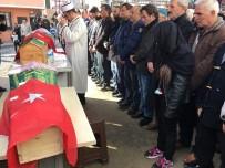 YENIDOĞAN - Babaları Tarafından Öldürülen Elif Mina İle Miray Hira Son Yolcuğuna Uğurlandı