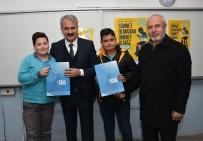 Başkan Sungur'dan Öğrencilere 'Ufka Yolculuk' Kitabı