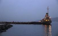 ÇANAKKALE BOĞAZı - Çanakkale Boğazı Gemi Trafiğine Açıldı