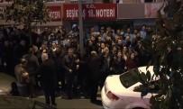 BARıŞ YARKADAŞ - CHP'liler Beşiktaş Belediyesi Önünde Toplanmaya Başladı