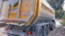 KARAÇAY - Denizli'de Heyelan Nedeniyle Kapanan Yol Açıldı