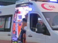FARABI - Ehliyetsiz Sürücü Kaza Yaptı Açıklaması 2 Yaşındaki Bebek Yaralandı