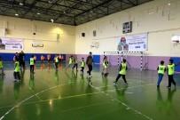 NOSTALJI - Geleneksel Çocuk Oyunları Eyüpsultan'da Yaşatılıyor