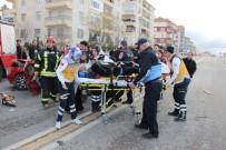 Kaza Yapan Kızının Başından Ayrılmadı