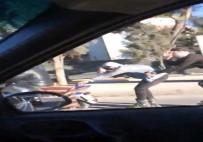 NECMETTIN CEVHERI - Motosiklete Tutunan Patenli Gençlerin Tehlikeli Yolculuğu