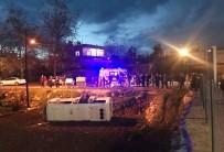 KUMKUYU - Öğrenci Servisi Tarlaya Uçtu Açıklaması 7 Yaralı