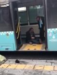 MECIDIYEKÖY - Tinerci, Otobüsten İnmeyince Şoförü Çileden Çıkardı