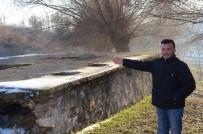 SEDEF HASTALIĞI - Tarihi 'Alpanos Hamamı' Kaderine Terk Edildi