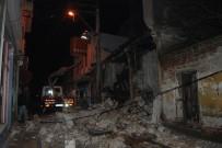 ELEKTRİK DİREĞİ - Tarihi Bina Çöktü