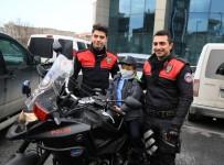 KARACİĞER YETMEZLİĞİ - 6 Yıldır Karaciğer Yetmezliği Tedavisi Gören 7 Yaşındaki Mehmet'in Polislik Hayali Gerçekleşti